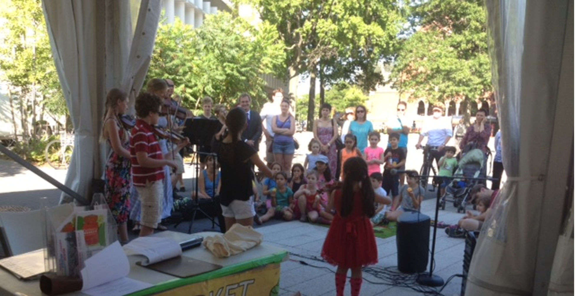Farmers Market and kids playing music